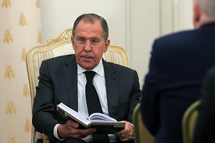 Лавров рассказал о накладных бровях дипломатов США и переодевании в женщину