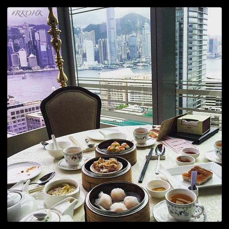Яхты, джеты и душ из шампанского. Как живут богатенькие дети Гонконга Instagram, богатство, в мире, гонконг, деньги, дети, молодежь, роскошь