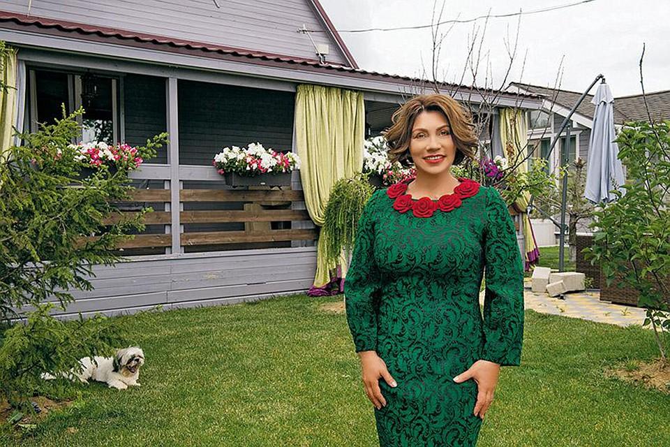 Роза Ð¡Ñбитова купила дом в 50 км от МоÑквы.