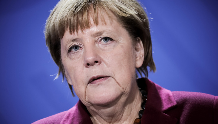 """Меркель назвала """"уткой"""" и провокацией историю о ребенке, изнасилованном немецкими военными"""