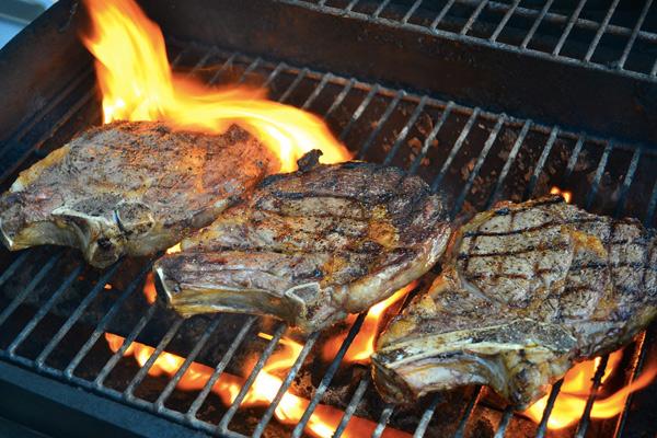 Реверсивная жарка: лучший способ приготовления толстых стейков