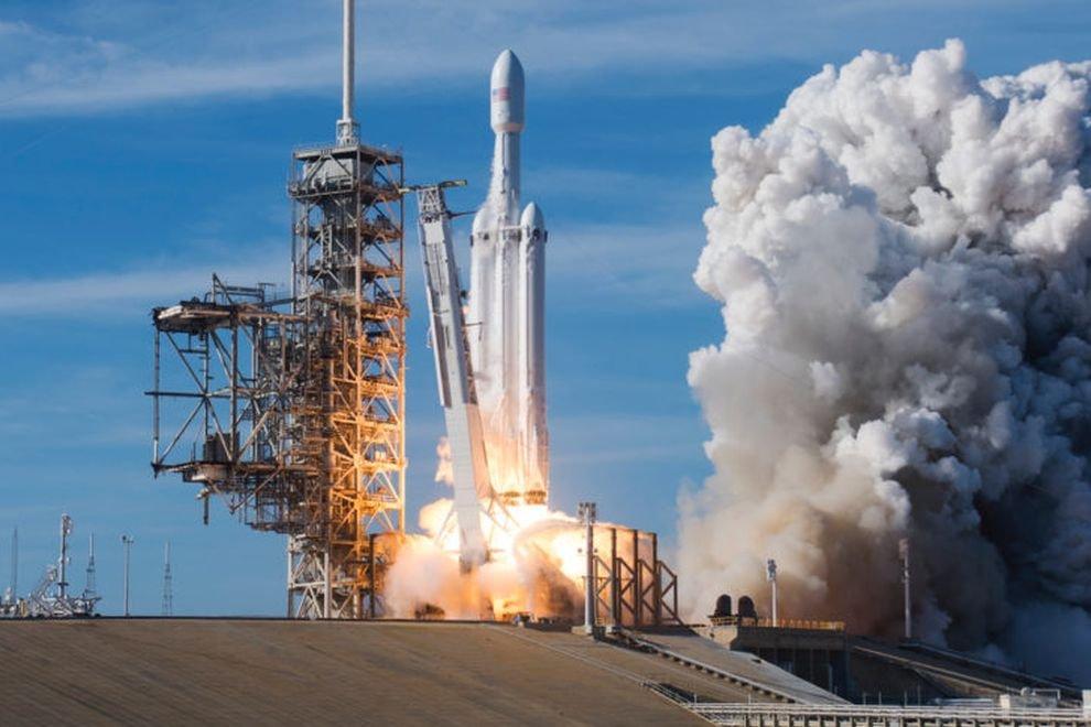 Роскосмос хочет 1,5 трлн. рублей на разработку ракеты для лунной программы
