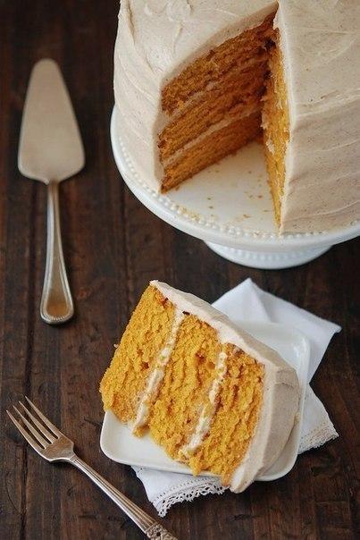 Морковный торт с грецкими орехами и корицей