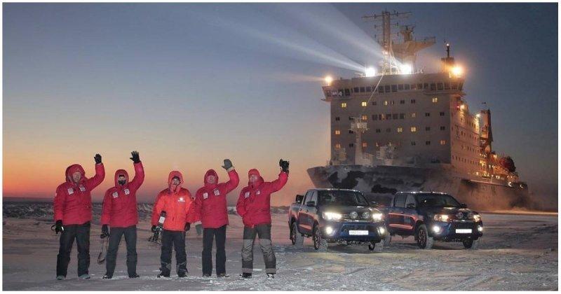 Огромный атомный ледокол «Таймыр» прошел в нескольких метрах от группы путешественников Таймыр, видео, интересное, ледокол, путешествие, россия, экспедиция