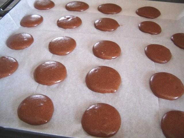 Шоколадные макаруны рецепт фото