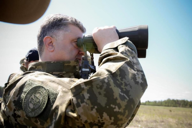 Порошенко вновь заявил об угрозе «полномасштабной войны» с РФ