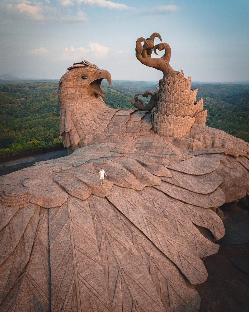 Самая большая в мире скульптура птицы
