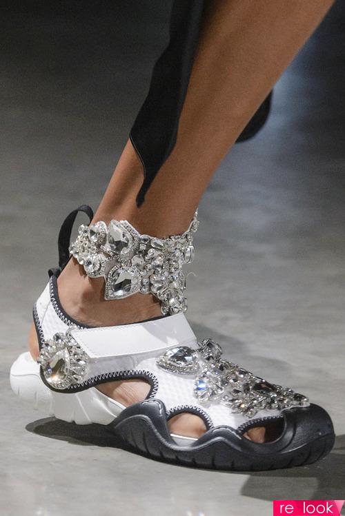 кроссовки от Balenciaga и др