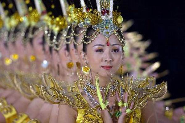 Глухонемые танцовщицы из Китая. Танец тысячи рук