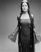 Сальма Хайек (Salma Hayek) в фотосессии Мэтью Ролстона (Matthew Rolston) для журнала New York Times.