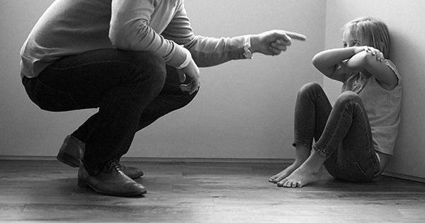 «Меня били и ничего — человеком вырос» и другие мифы о наказаниях