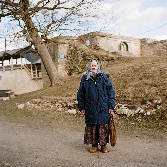 Баба Валя Изборск, варвара лозенко, русская деревня, фотография