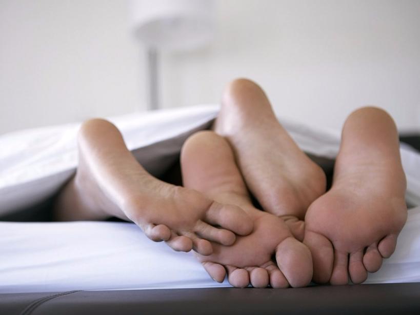 Регулярный секс защищает от лишнего веса
