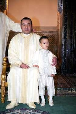 Последний в списке, но не менее значимый Мулай Хасан, кронпринц и наследник престола Марокко. Помимо ожидающего его состояния, которое превышает 2 млрд долларов, он также является представителем королевской династии.