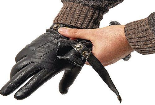 Как правильно чистить кожаные и замшевые перчатки в домашних условиях?