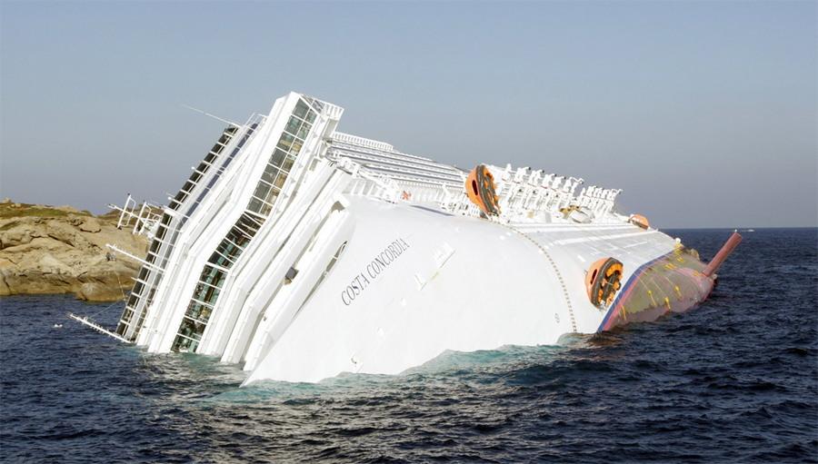 """Как выглядит круизный лайнер """"Коста Конкордия"""" спустя 5 лет после крушения"""