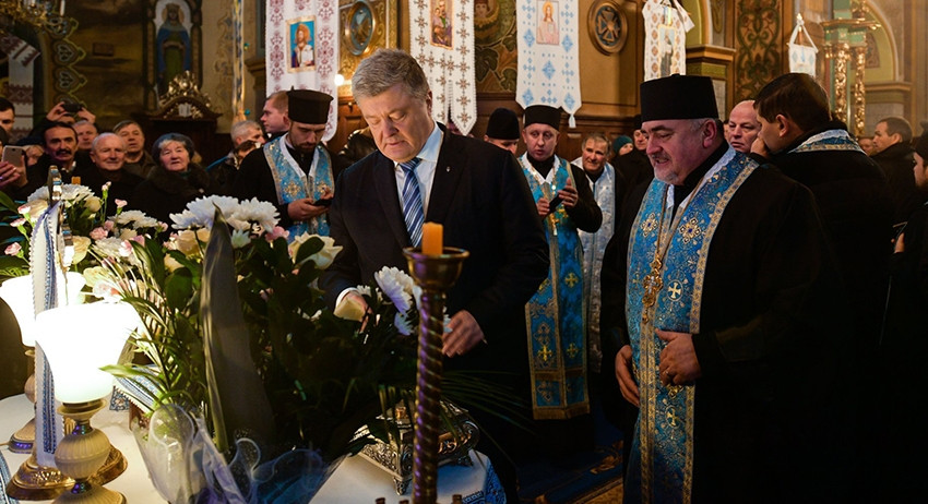 Порошенко потребовал от украинского Православия встать на защиту своих же гонителей