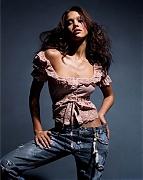 Джессика Альба (Jessica Alba) в фотосессии Майкла Томпсона (Michael Thompson) для журнала Allure (апрель 2002).