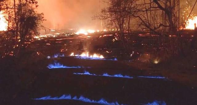 Почему Гавайи горят синим пламенем?