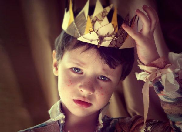 Дети правят миром, получают все и не знают слов «надо делать».
