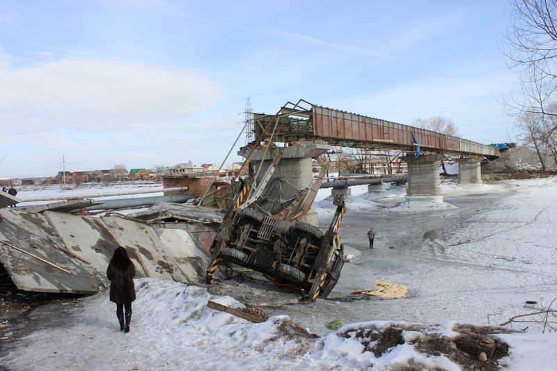За год в России обрушилось 100 мостов. Почему это происходит?