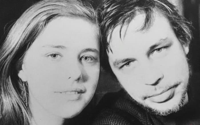 Дженни Яснец и художник Андрей Медведев | Фото: wday.ru