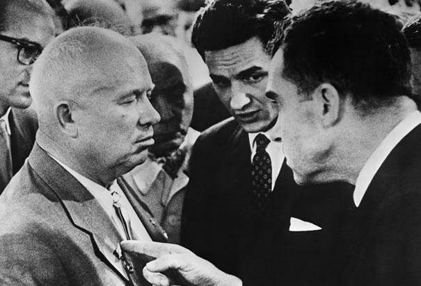 Почему бы не повторить «Кухонные дебаты» эпохи Хрущева меж СССР и США?