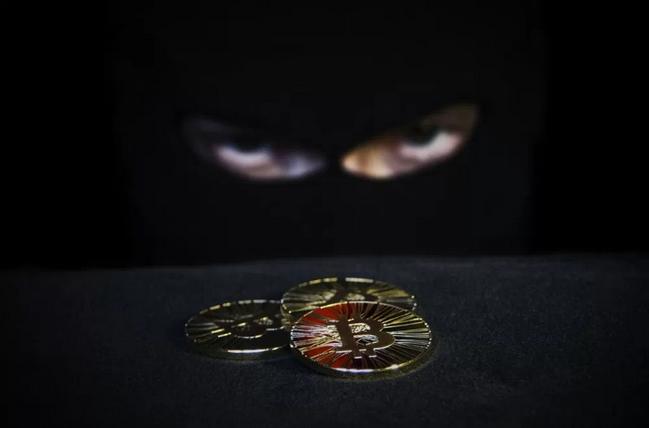 Житель Москвы лишился 15 миллионов рублей во время покупки биткоинов