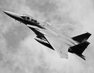 Российскому лайнеру пришлось экстренно снизиться из-за самолета НАТО