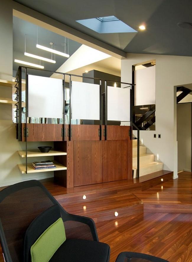 Интерьер в современном стиле с бежевыми стенами и серым потолком