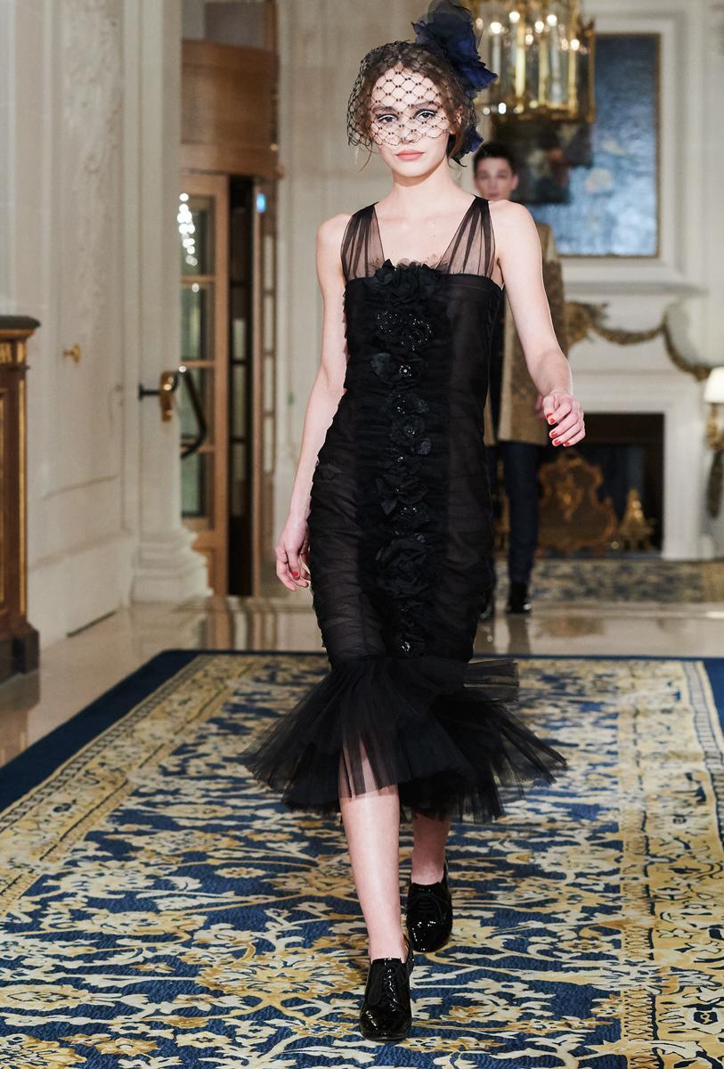 17-летняя Лили-Роуз Депп дебютировала на показе Chanel