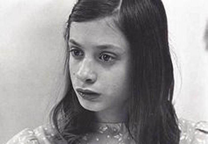 Про девочку, которую родители 13 лет держали в темном чулане