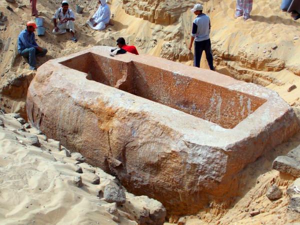 В египетском Асуане найдены 10 неизвестных ранее гробниц