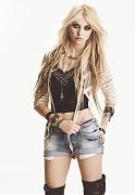 Тейлор Момсен (Taylor Momsen) в фотосессии для журнала Cosmopolitan Spain (январь 2010)