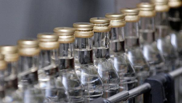 Минимальная цена бутылки водки в России составит 205 рублей