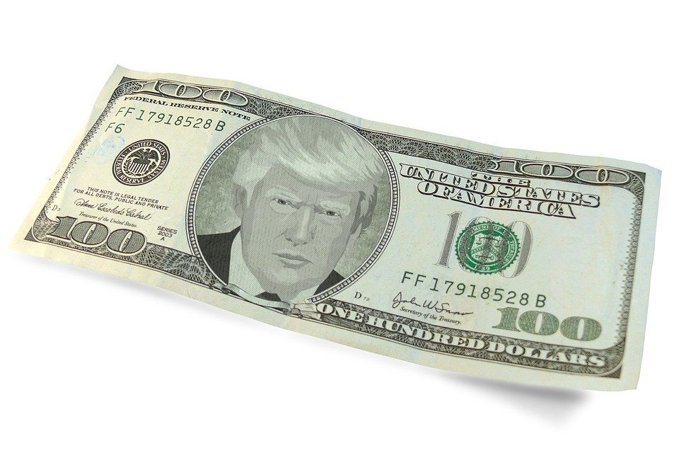 Американские СМИ признали эффективность действий РФ по отказу от доллара