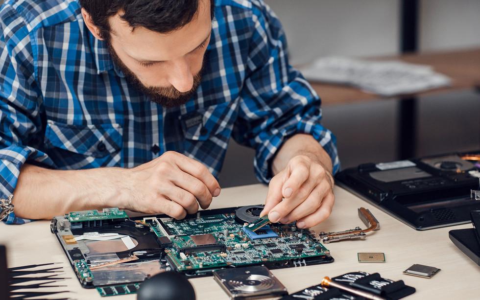 Исповедь компьютерного мастера: Я целый год обманывал людей