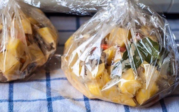 Запеченная картошка с грибами в рукаве. Очень быстрый рецепт!