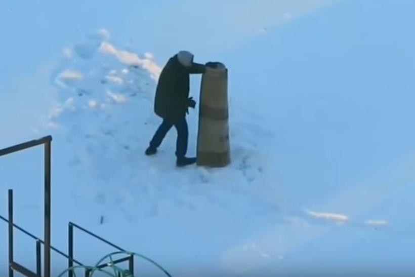 Когда ковёр – твой худший враг. Захватывающее видео выбивания ковра жителем Минска
