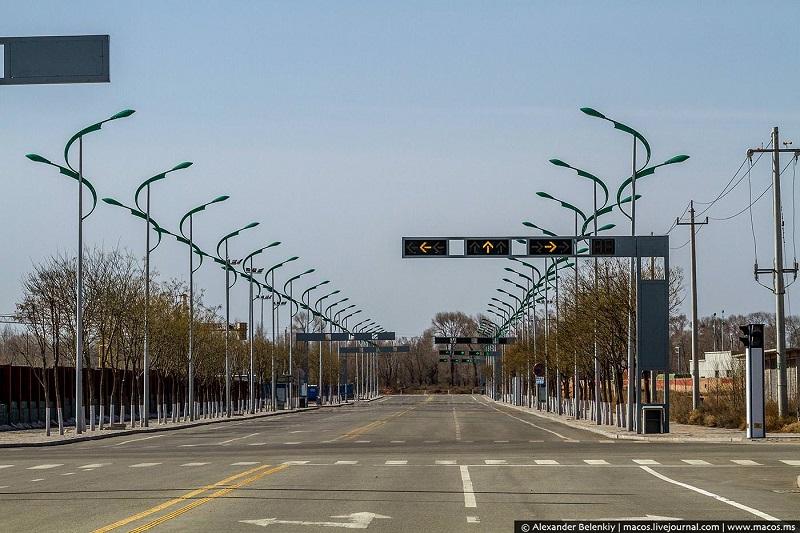 В этом городе есть место для 1,5 миллиона людей, но сюда никто не едет. А причина очень странная…
