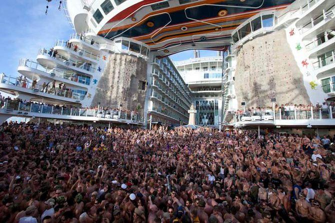 O maior navio do mundo, Allure of the Seas, Pessoas na plataforma