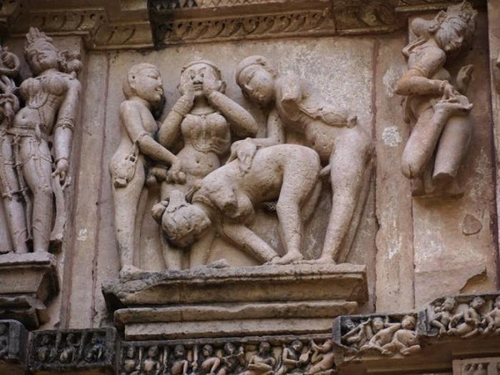 Эротические скульптуры в индии