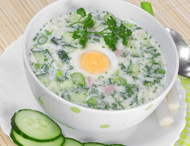 Холодный суп из щавеляс огурцами и яйцами. Освежит в жару и пополнит витаминами!