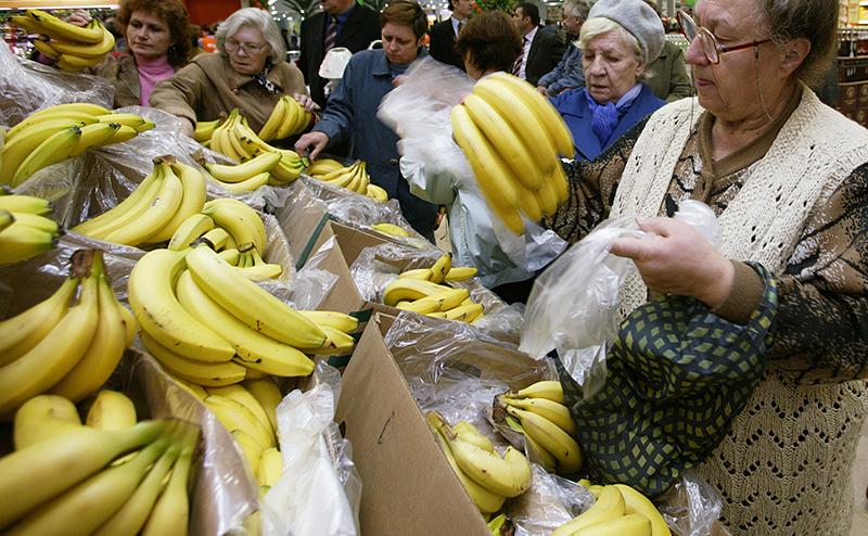Бананы в России становятся популярнее яблок!