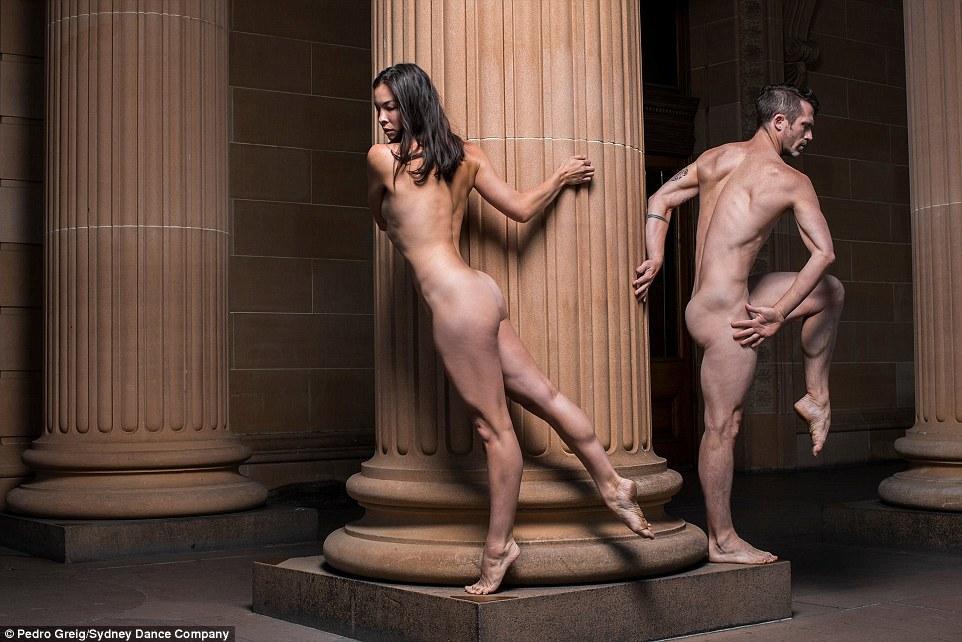 фото голые танцоры