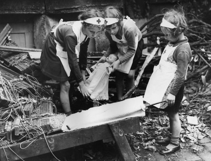 21. Юные медсестры, Лондон, 1940 год  детство, прошлое, фотография