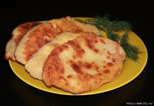 Сырные пирожки-лепёшки с картофелем