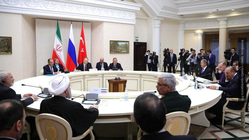 Эксперт прокомментировал итоги переговоров Путина, Эрдогана и Роухани в Сочи