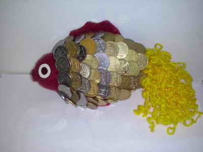 """""""Золотая рыбка"""" из монет - отличный подарок"""
