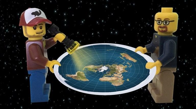 Плоская Земля: искусственная…